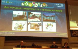 Carlos Moreno à la tribune lors de l'anniversaire de la Fondation Fondaterra, lundi 7 octobre à Paris.