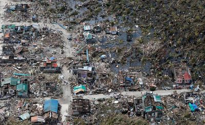 an-aerial-view-of-a-town-devastated-by-super-typhoon-haiyan-in-samar-province-in-central-philippines_4526016