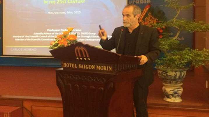 Carlos-Moreno-Hue-Vietnam