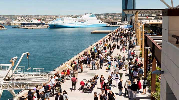 rand-port-marseille-promenade-exterieure