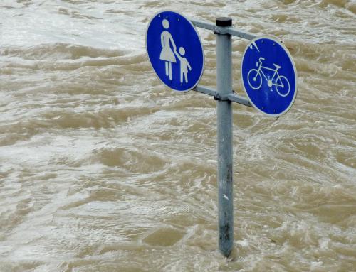 Un regard sur les inondations et le développement urbain (FR, ES)