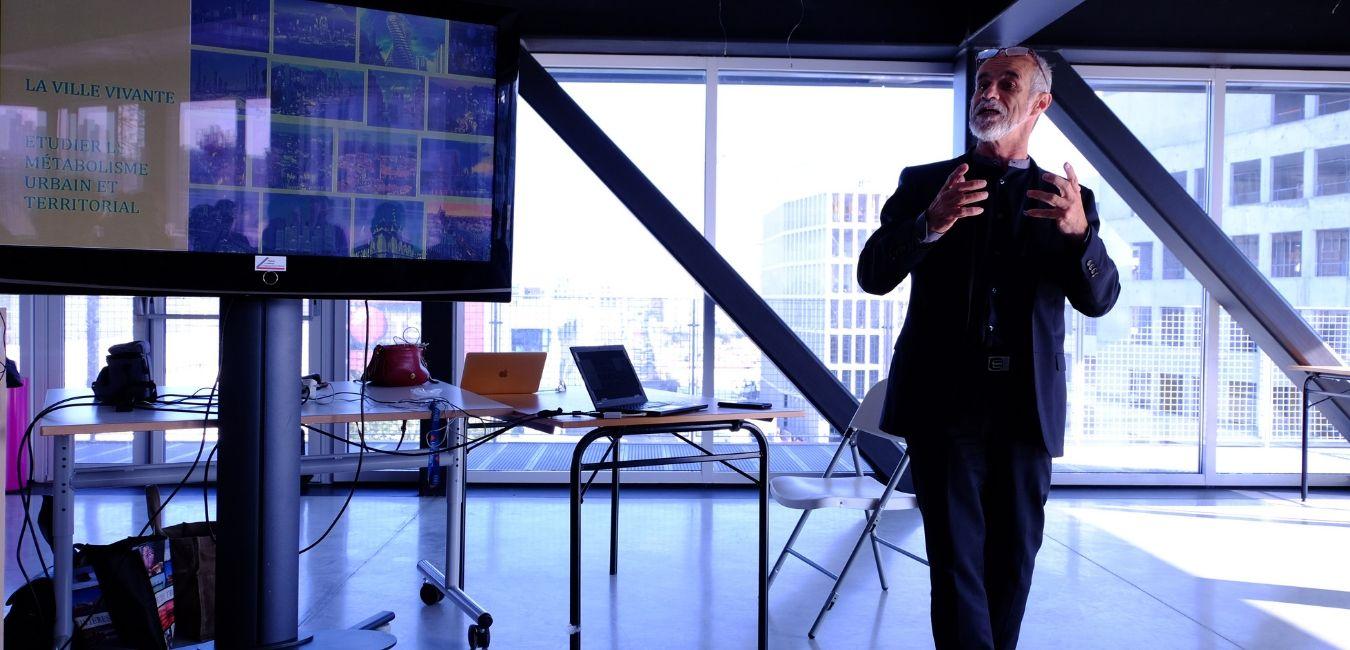 Au-delà de l'écologie, pour changer la vie urbaine Par Carlos Moreno*